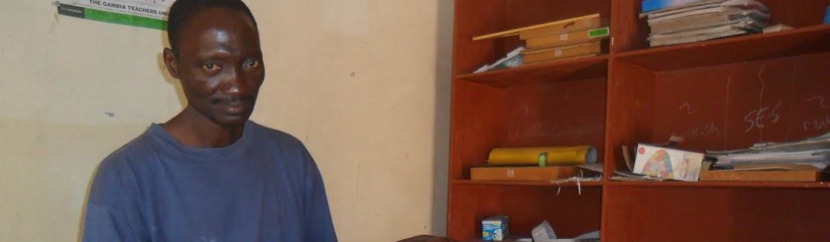 2 EHBO dozen afgeleverd in Gambia
