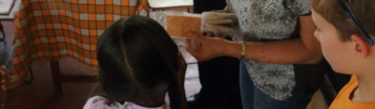 Verbandmiddelen voor de stichting kansarmen Sri Lanka