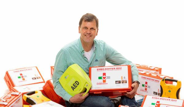 deBesteEHBOdoos opent sociale webshop voor AED's